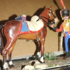 Militaria: ANTIGUO SOLDADO DE PLOMO A CABALLO DE REGIMIENTO DE HUSARES ESPAÑOLES 1815. Lote 153056018