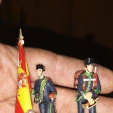Militaria: CONJUNTO DE 3 SOLDADOS DE PLOMO, PINTADOS A MANO ARTESANALMENTE DE CAZADORES DE MONTAÑA. Lote 153691950