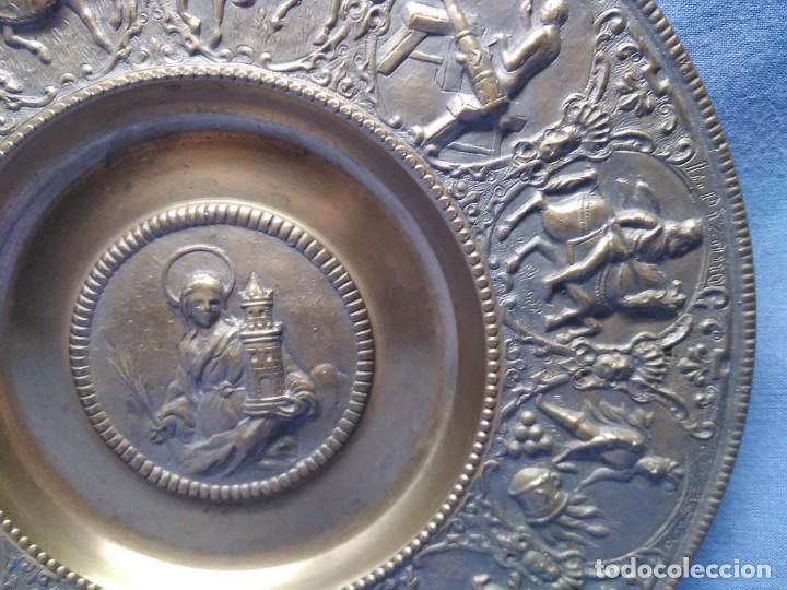 Militaria: Plato bronce conmemorativo Fábrica Artillería Sevilla 1565 - 1936 Santa Bárbara Reyes Católicos - Foto 3 - 154861478