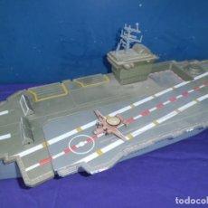 Militaria: ESPECTACULAR PORTAAVIONES EN PLASTICO DURO A. 70. Lote 158741698