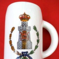 Militaria: JARRA DEL ARMA DE INGENIERO CON EL ESCUDO DE LA CASA REAL.. Lote 161757570