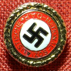 Militaria: INSIGNIA PARTIDO NACIONAL SOCIALISTA OBRERO ALEMÁN (NSDAP). DIAMETRO 32 MM. Lote 162921950
