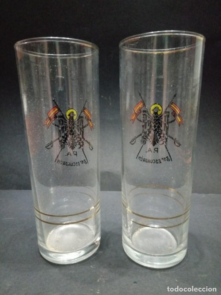 Militaria: Dos vasos de cristal de la Policía Armada del 3er Escuadrón de caballería - Foto 4 - 163612842