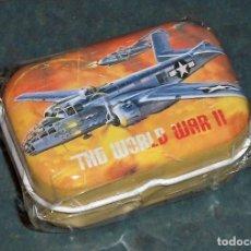 Militaria: CAJA / LATA 2ª GUERRA MUNDIAL: AVIÓN BOMBARDERO USA B-25. Lote 245434920