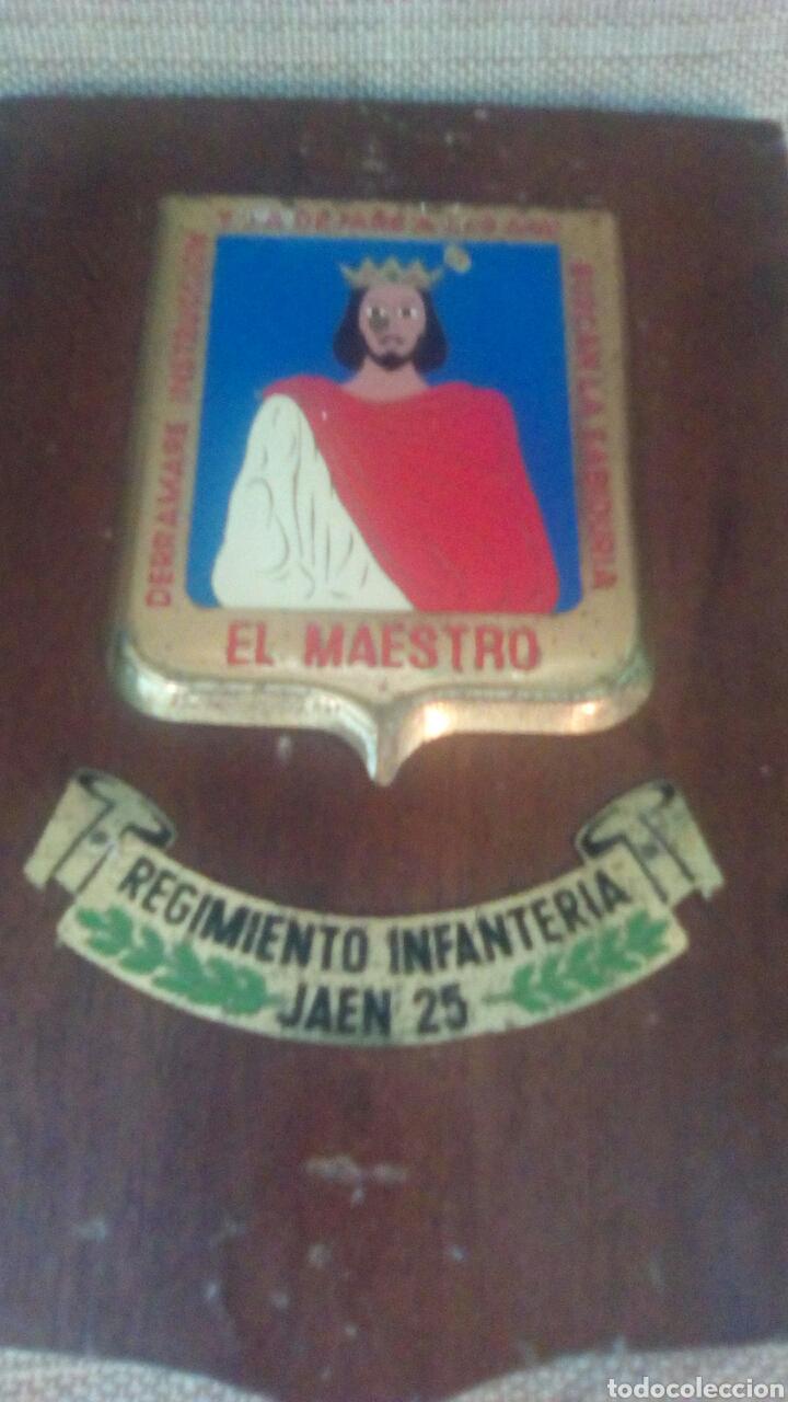 Militaria: Metopa Regimiento infanteria Jaén 25 - Foto 3 - 175487062