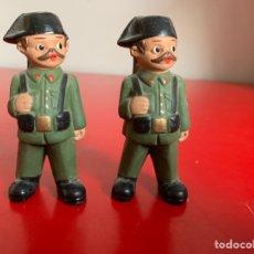 Militaria: PAREJA DE GUARDIA CIVIL EN BARRO 9 CM. Lote 178995955