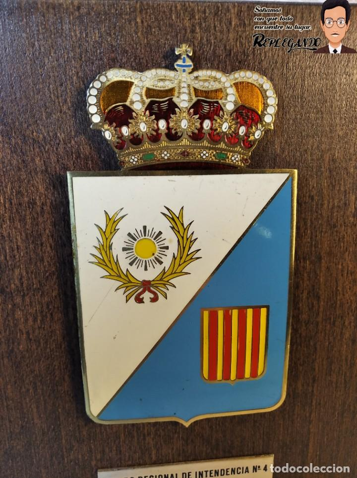 Militaria: METOPA MILITAR (GRUPO REGIONAL INTENDENCIA Nº4) - 18X12 CM. (PLACA DE MADERA CON ESCUDO) ESPAÑA - Foto 2 - 189751386