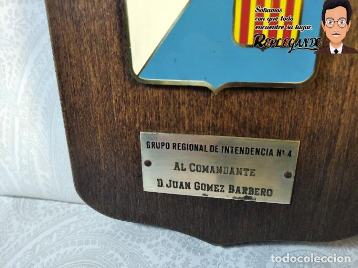 Militaria: METOPA MILITAR (GRUPO REGIONAL INTENDENCIA Nº4) - 18X12 CM. (PLACA DE MADERA CON ESCUDO) ESPAÑA - Foto 3 - 189751386