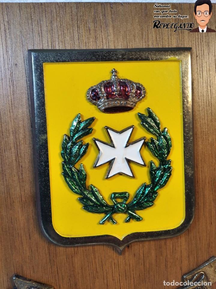 Militaria: METOPA MILITAR (GRUPO REGIONAL SANIDAD MILITAR Nº1) - 21X14 CM. (PLACA DE MADERA CON ESCUDO) ESPAÑA - Foto 2 - 189751832
