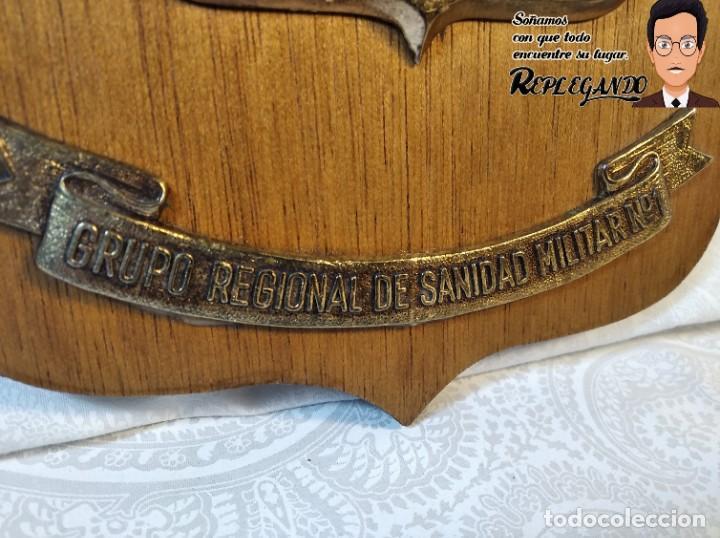 Militaria: METOPA MILITAR (GRUPO REGIONAL SANIDAD MILITAR Nº1) - 21X14 CM. (PLACA DE MADERA CON ESCUDO) ESPAÑA - Foto 4 - 189751832