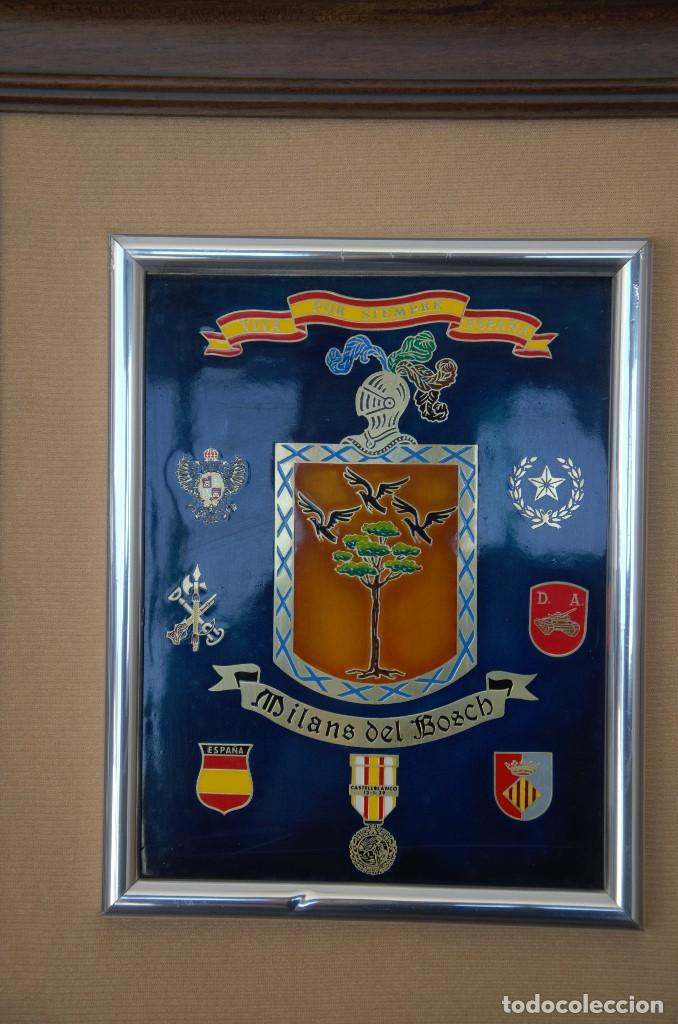 Militaria: CUADRO HONORIFICO MILANS DEL BOSCH VIVA POR SIEMPRE ESPAÑA DISTINTIVOS MEDALLAS - Foto 2 - 191418058
