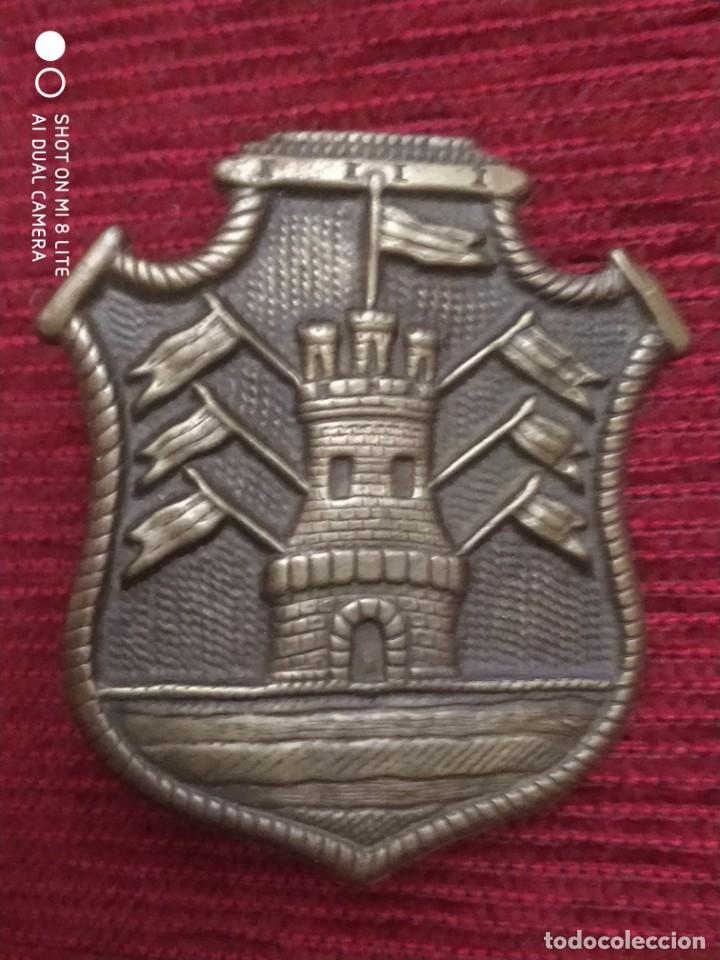 PLACA MUY ANTIGUO DE POLICIA DE CORDOBA ARGENTINA INSIGNIA DISTINTIVO POLICIAL (Militar - Reproducciones, Réplicas y Objetos Decorativos)