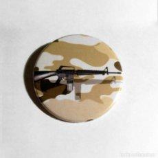 Militaria: M16 - ABREBOTELLAS 59MM (CON IMAN PARA NEVERA). Lote 65805918