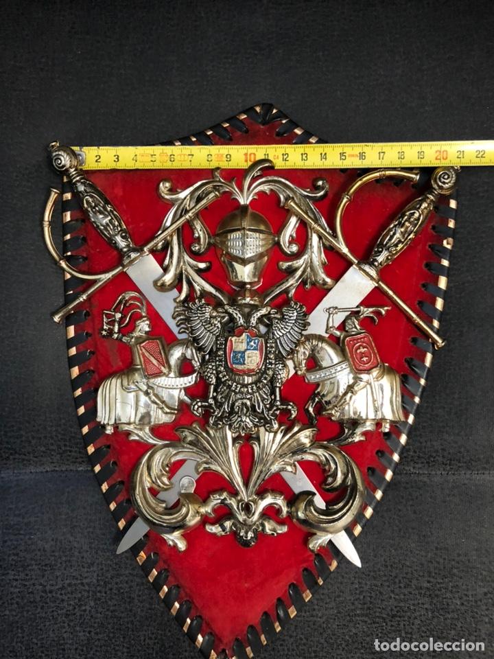 Militaria: Panoplia pequeñas espadas aguila bicefala carlos I - Foto 2 - 203919548