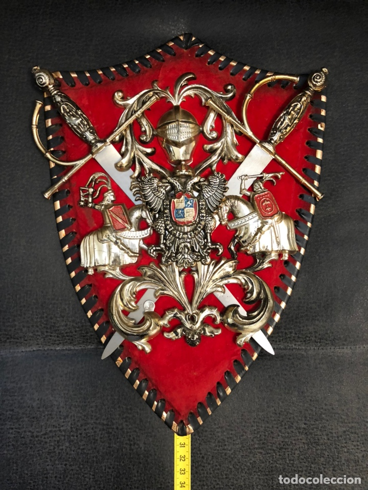 PANOPLIA PEQUEÑAS ESPADAS AGUILA BICEFALA CARLOS I (Militar - Reproducciones, Réplicas y Objetos Decorativos)