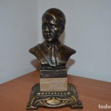 Militaria: WWII THE GERMAN BUST OF ADOLF HITLER IN BRASS 3,5KG. Lote 209788337