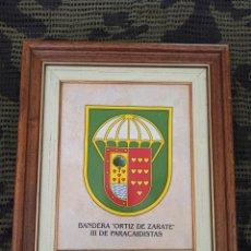 Militaria: BANDERA ORTIZ DE ZÁRATE III. TERCERA BANDERA PARACAIDISTA. Lote 212398695