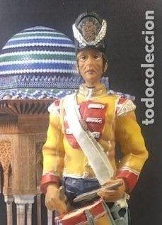 FIGURA MILITAR, TAMBOR DE COMPAÑIA, 1800, EN PASTA CERÁMICA, GRAN TAMAÑO: 19,5 CM (Militar - Reproducciones, Réplicas y Objetos Decorativos)