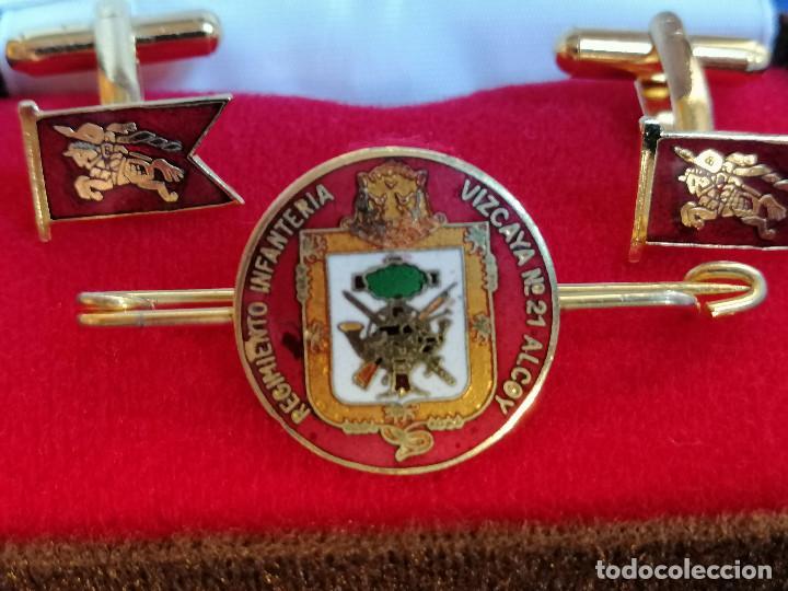 Militaria: REGIMIENTO DE INFANTERIA VIZCAYA Nº 21 ALCOY - PISA CORBATAS Y GEMELOS EN SU CAJA ORIGINAL - Foto 4 - 219667358