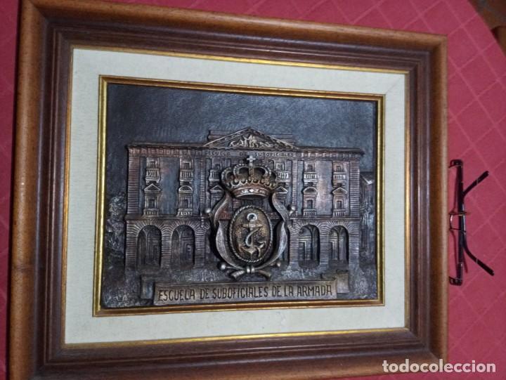 METOPA ENMARCADA DE LA ESCUELA DE SUBOFICIALES DE LA ARMADA (Militar - Reproducciones, Réplicas y Objetos Decorativos)