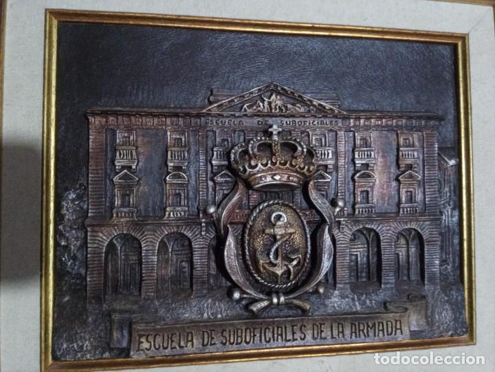 Militaria: Metopa enmarcada de la Escuela de Suboficiales de la Armada - Foto 2 - 223011967