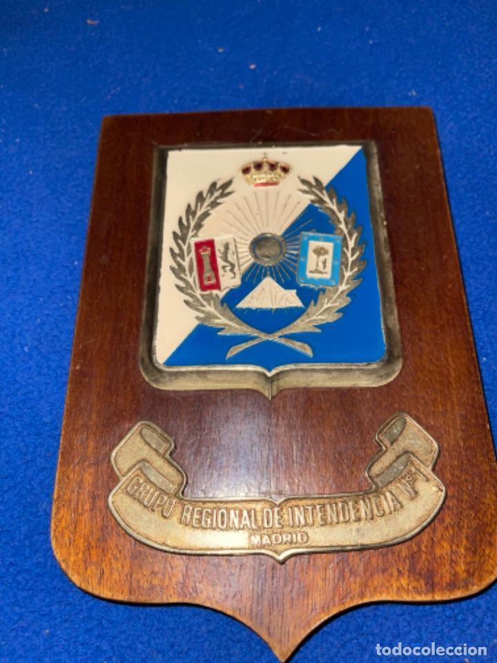 ANTIGUA METOPA GRUPO REGIONAL DE INTENDENCIA N 1 MADRID (Militar - Reproducciones, Réplicas y Objetos Decorativos)