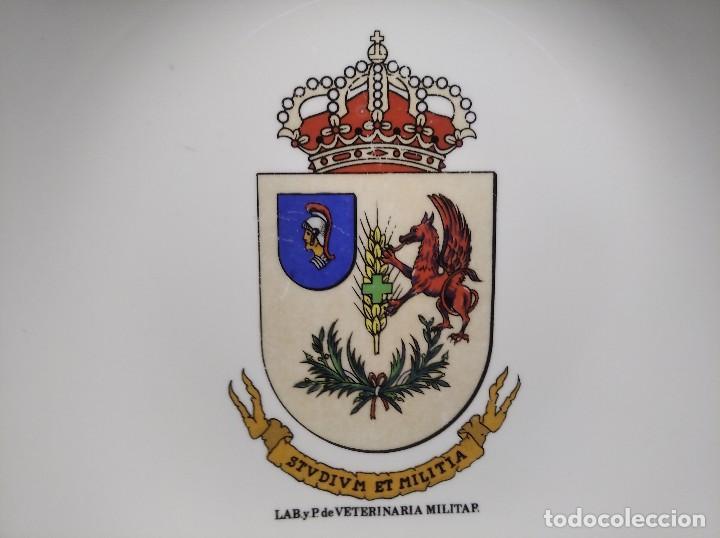 ANTIGUO CENICERO LABORATORIO DE VETERINARIA MILITAR - STVDIVM ET MILITIA - EJÉRCITO - ESPAÑA - (Militar - Reproducciones, Réplicas y Objetos Decorativos)