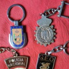 Militaria: 4 LLAVEROS ANTIGUOS METÁLICOS. POLICÍA NACIONAL - ARMADA. AÑOS 70-80. Lote 248974245
