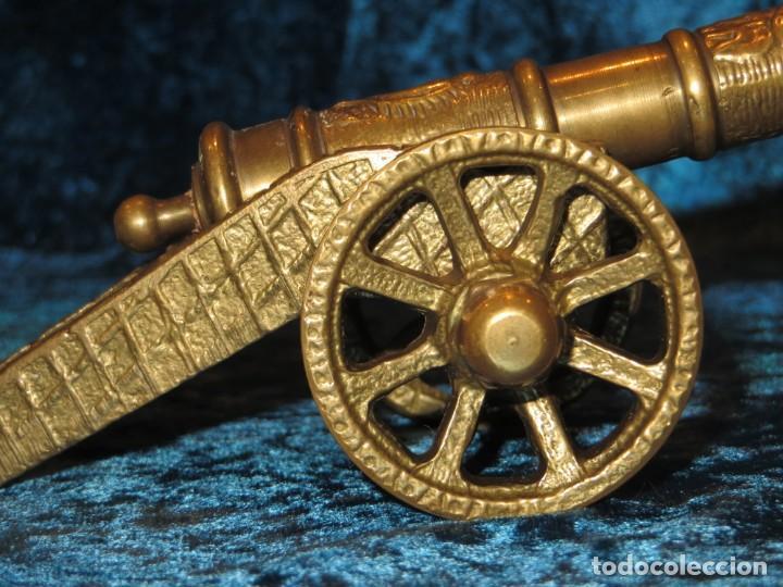 Militaria: Antiguo cañón bronce reproducción artesanía militar relieves grabados - Foto 6 - 254824825