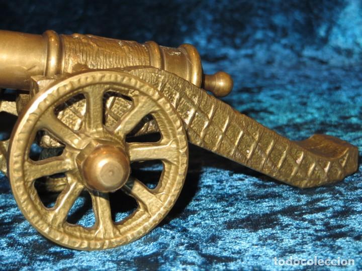 Militaria: Antiguo cañón bronce reproducción artesanía militar relieves grabados - Foto 10 - 254824825