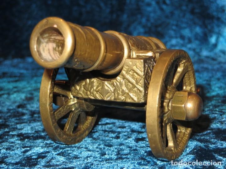 Militaria: Antiguo cañón bronce reproducción artesanía militar relieves grabados - Foto 13 - 254824825