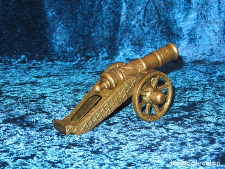 Militaria: Antiguo cañón bronce reproducción artesanía militar relieves grabados - Foto 16 - 254824825