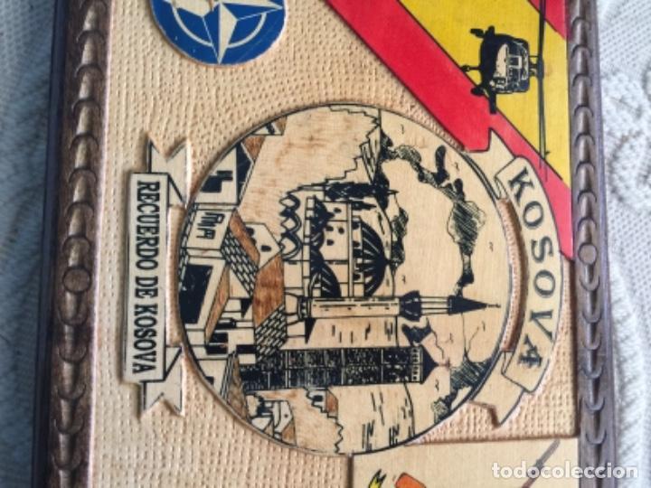 Militaria: BONITO CUADRO EN MADERA , MISION MILITAR ESPAÑOLA EN KOSOVO , KFOR , OTAN - Foto 2 - 260751490