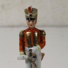 Militaria: FIGURINE EN PORCELAINE - OFFICIER DE L'EMPIRE. Lote 262171920
