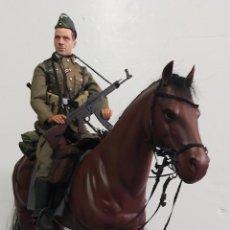 Militaria: CABALLO CON SILLA Y SOLDADO ALEMAN DRAGON MODELS. Lote 267489289