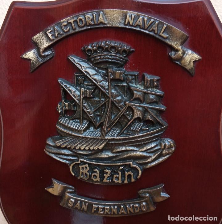 Militaria: METOPA FACTORIA NAVAL BAZÁN SAN FERNANDO, MADERA Y BRONCE, PERFECTO ESTADO - Foto 3 - 269204853