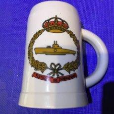 Militaria: DOS JARRAS DE CERVEZA ARMADA. FLOTILLA DE SUBMARINOS. Lote 287885448