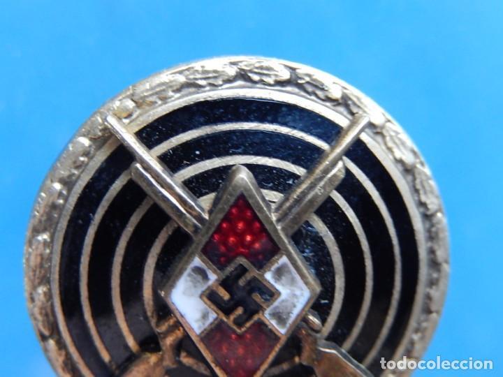 Militaria: EIO. Alemania. Insignia tirador de la Juventudes Hitlerianas. Reproducción o copia antigua. - Foto 2 - 271572443