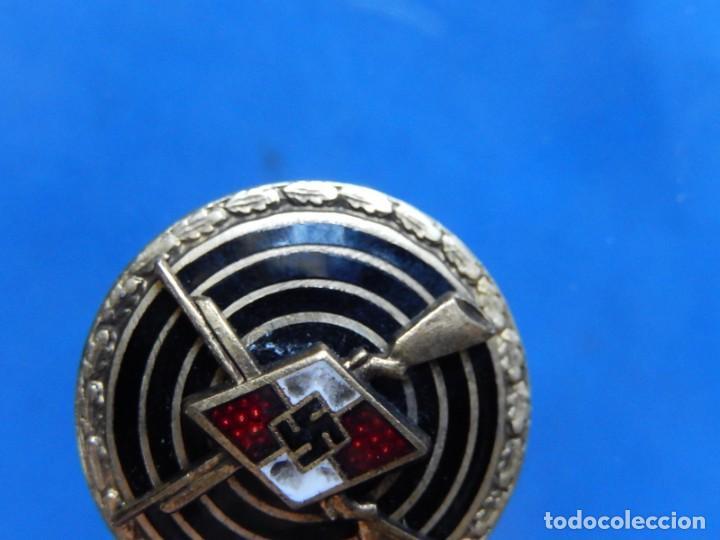 Militaria: EIO. Alemania. Insignia tirador de la Juventudes Hitlerianas. Reproducción o copia antigua. - Foto 4 - 271572443