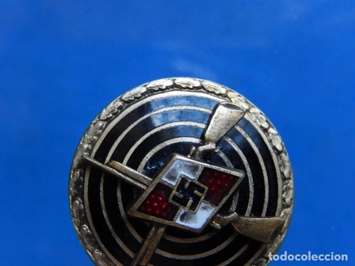 Militaria: EIO. Alemania. Insignia tirador de la Juventudes Hitlerianas. Reproducción o copia antigua. - Foto 5 - 271572443