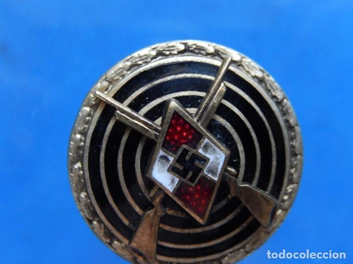 Militaria: EIO. Alemania. Insignia tirador de la Juventudes Hitlerianas. Reproducción o copia antigua. - Foto 9 - 271572443