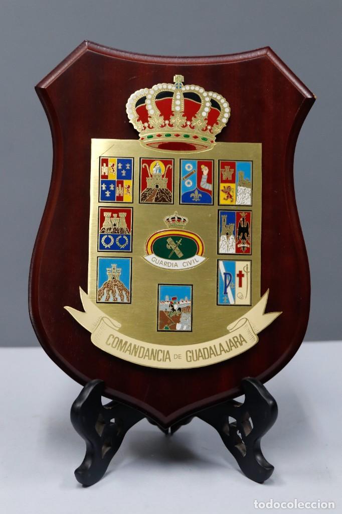 METOPA GUARDIA CIVIL. COMANDANCIA DE GUADALAJARA (Militar - Reproducciones, Réplicas y Objetos Decorativos)