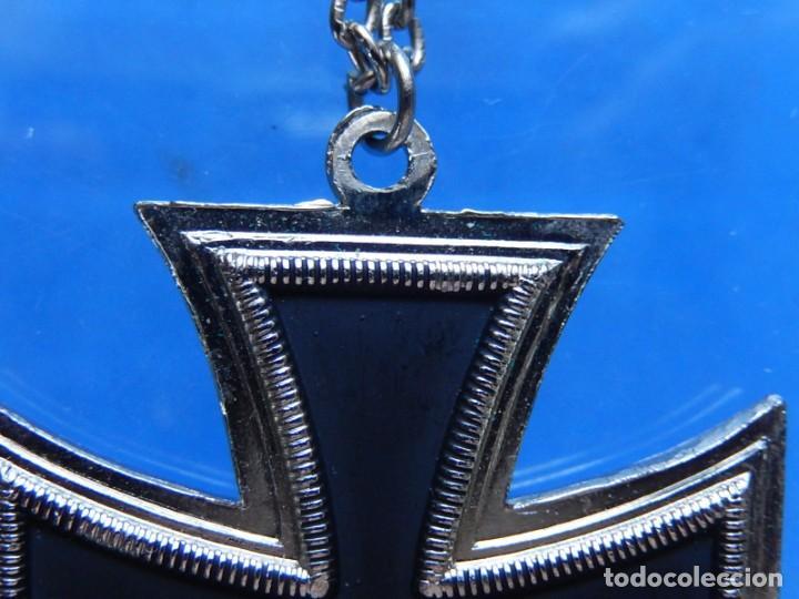 Militaria: EIO. Cadena con la Cruz de Hierro. - Foto 11 - 271576258