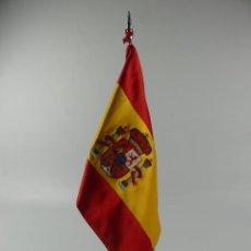 Militaria: BANDERA DE ESPAÑA SOBRE SOPORTE. Lote 275876243