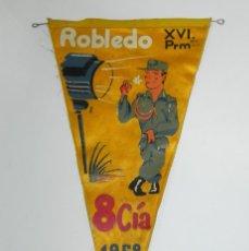 Militaria: BANDERIN DE ROBLEDO XVI PROMOCION. 8º CIA. AÑO 1958, MIDE 39 CMS.. Lote 295587933