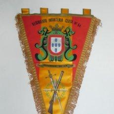 Militaria: ANTIGUO BANDERÍN REGIMIENTO INFANTERIA CEUTA Nº 54. REGULARES. MIDE 39 CMS.. Lote 295588508