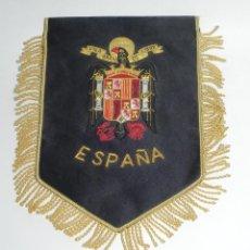 Militaria: BANDERIN DE ESPAÑA, EPOCA DE FRANCO, PRECIOSO BORDADO EN HILO DE ORO, MIDE 23 X 21 CMS.. Lote 295615083