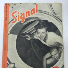 Militaria: ANTIGUA REVISTA SIGNAL, 1ER NUMERO DE OCTUBRE DE 1941, TIENE 46 PAGINAS, POSTER CENTRAL A COLOR, TAM. Lote 38284729