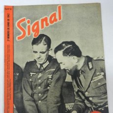 Militaria: ANTIGUA REVISTA SIGNAL, 2º NUMERO DE JUNIO DE 1942, TIENE 46 PAGINAS, POSTER CENTRAL A COLOR, TAMAÑO. Lote 38284732