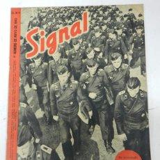 Militaria: DIVISION AZUL, ANTIGUA REVISTA SIGNAL, 1ER NUMERO DE MAYO DE 1943, TIENE 38 PAGINAS, POSTER CENTRAL . Lote 38284738